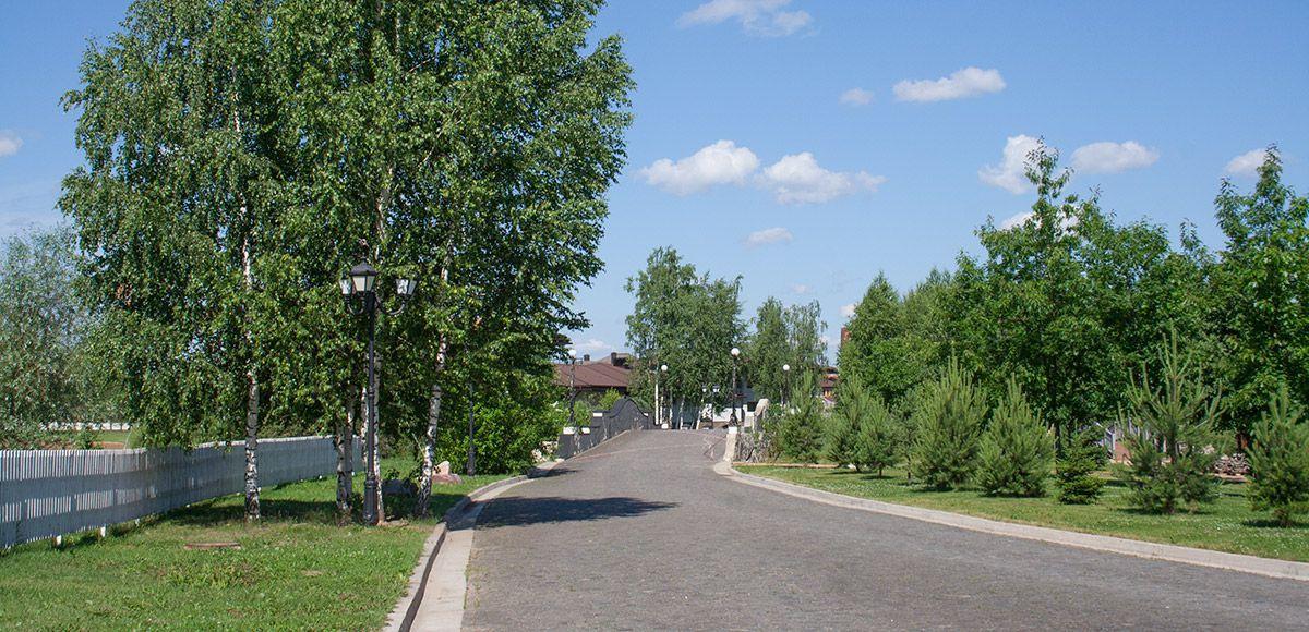 Дорога вглубь поселка, поселок Онегино
