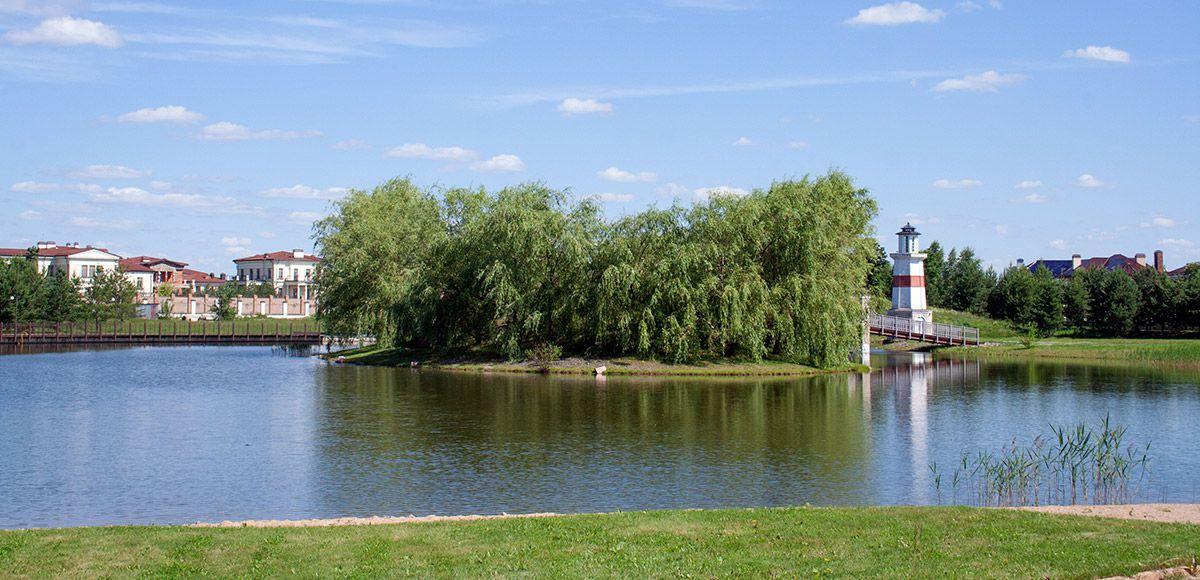 Панорама озера, поселок Онегино